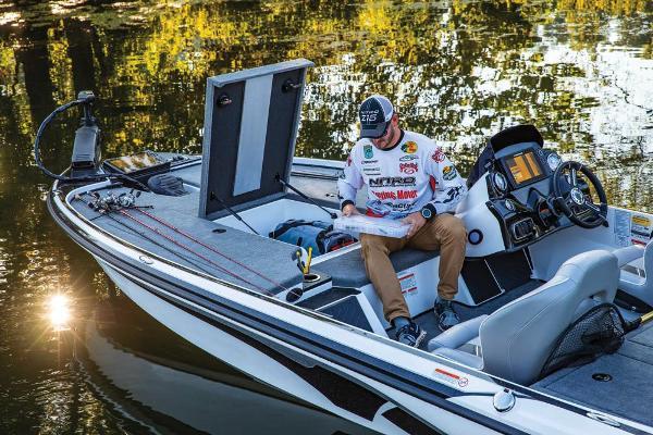 2019 Nitro boat for sale, model of the boat is Z18 & Image # 16 of 58