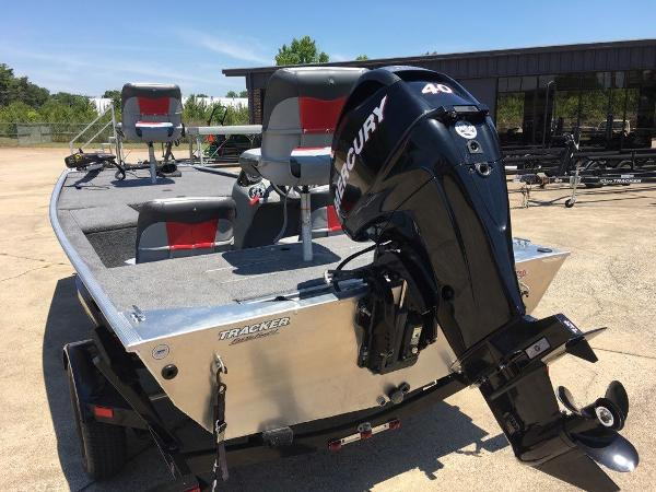 2014 Tracker Boats boat for sale, model of the boat is Pro 170 & Image # 3 of 11