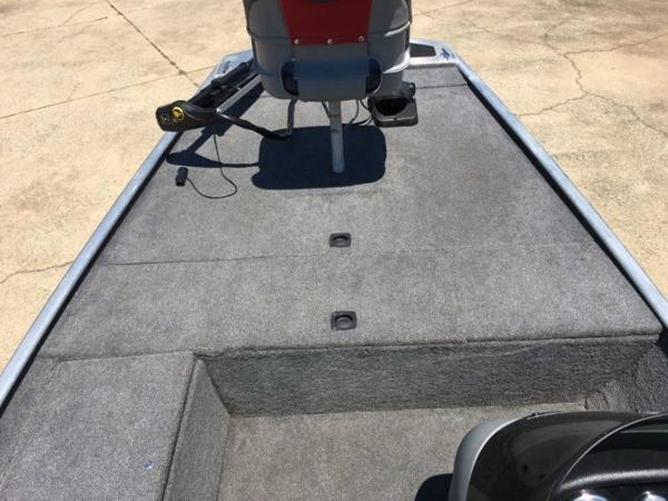 2014 Tracker Boats boat for sale, model of the boat is Pro 170 & Image # 4 of 11