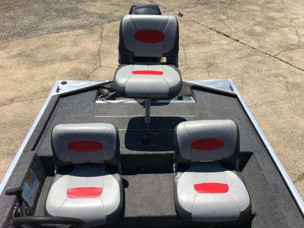 2014 Tracker Boats boat for sale, model of the boat is Pro 170 & Image # 5 of 11