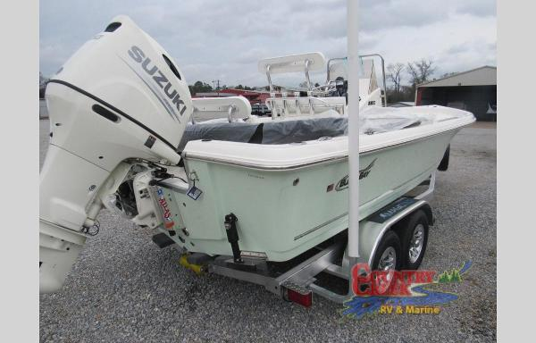 2020 Bulls Bay boat for sale, model of the boat is 2200 & Image # 4 of 5