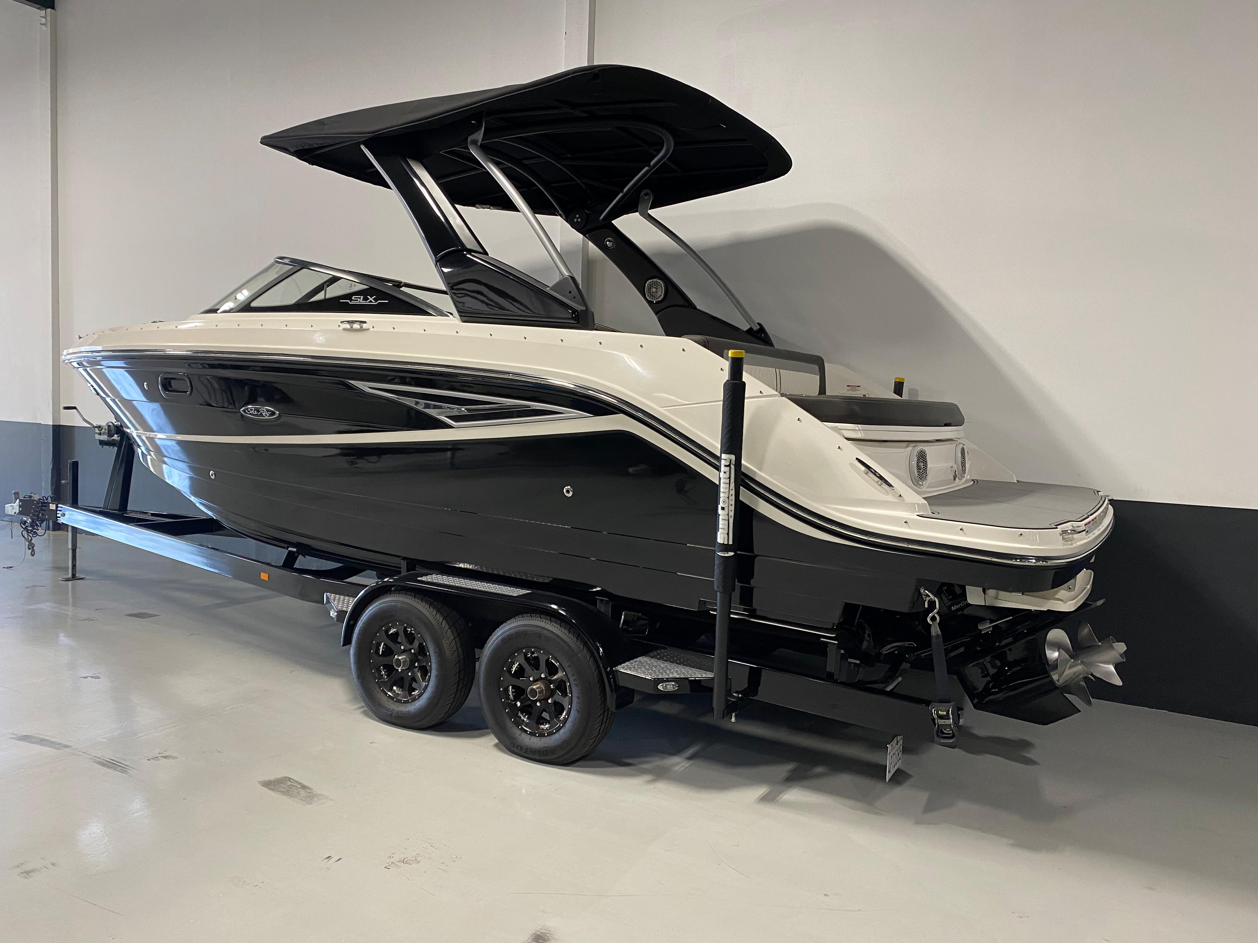 2017 Sea Ray SLX 250 #TB3018DW inventory image at Sun Country Inland in Irvine