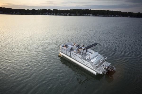 2021 Manitou boat for sale, model of the boat is 25 SES Bench SHP 575 & Image # 5 of 8
