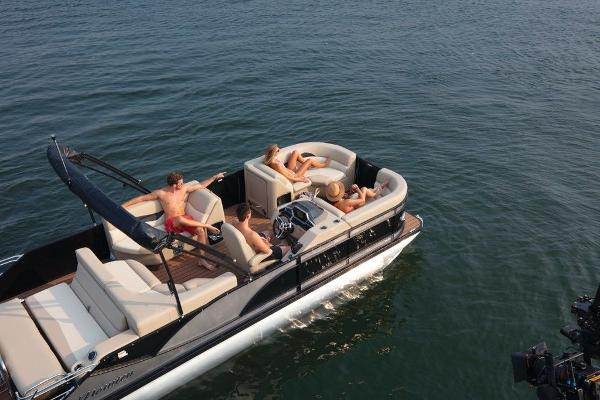 2021 Manitou boat for sale, model of the boat is 25 SES Bench SHP 575 & Image # 6 of 8