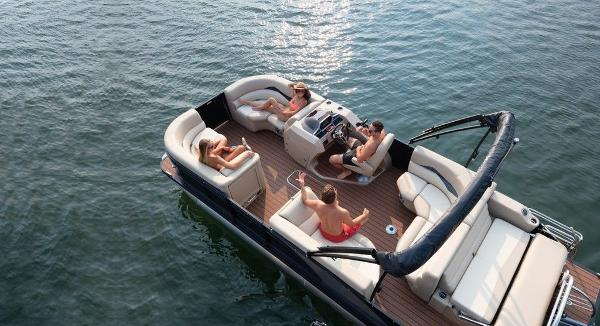2021 Manitou boat for sale, model of the boat is 25 SES Bench SHP 575 & Image # 3 of 8