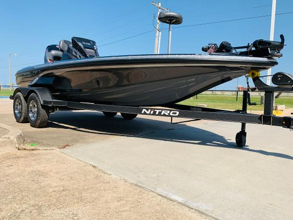 2021 Nitro boat for sale, model of the boat is Z18 Pro & Image # 3 of 33