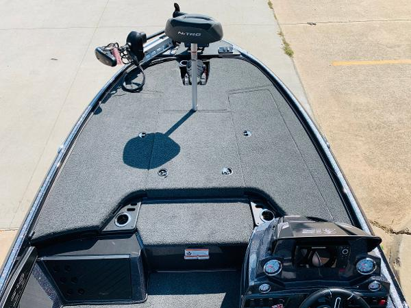 2021 Nitro boat for sale, model of the boat is Z18 Pro & Image # 10 of 33