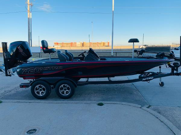 2021 Nitro boat for sale, model of the boat is Z20 Pro & Image # 4 of 40
