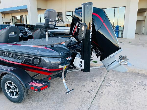 2021 Nitro boat for sale, model of the boat is Z20 Pro & Image # 8 of 40