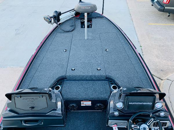 2021 Nitro boat for sale, model of the boat is Z20 Pro & Image # 10 of 40