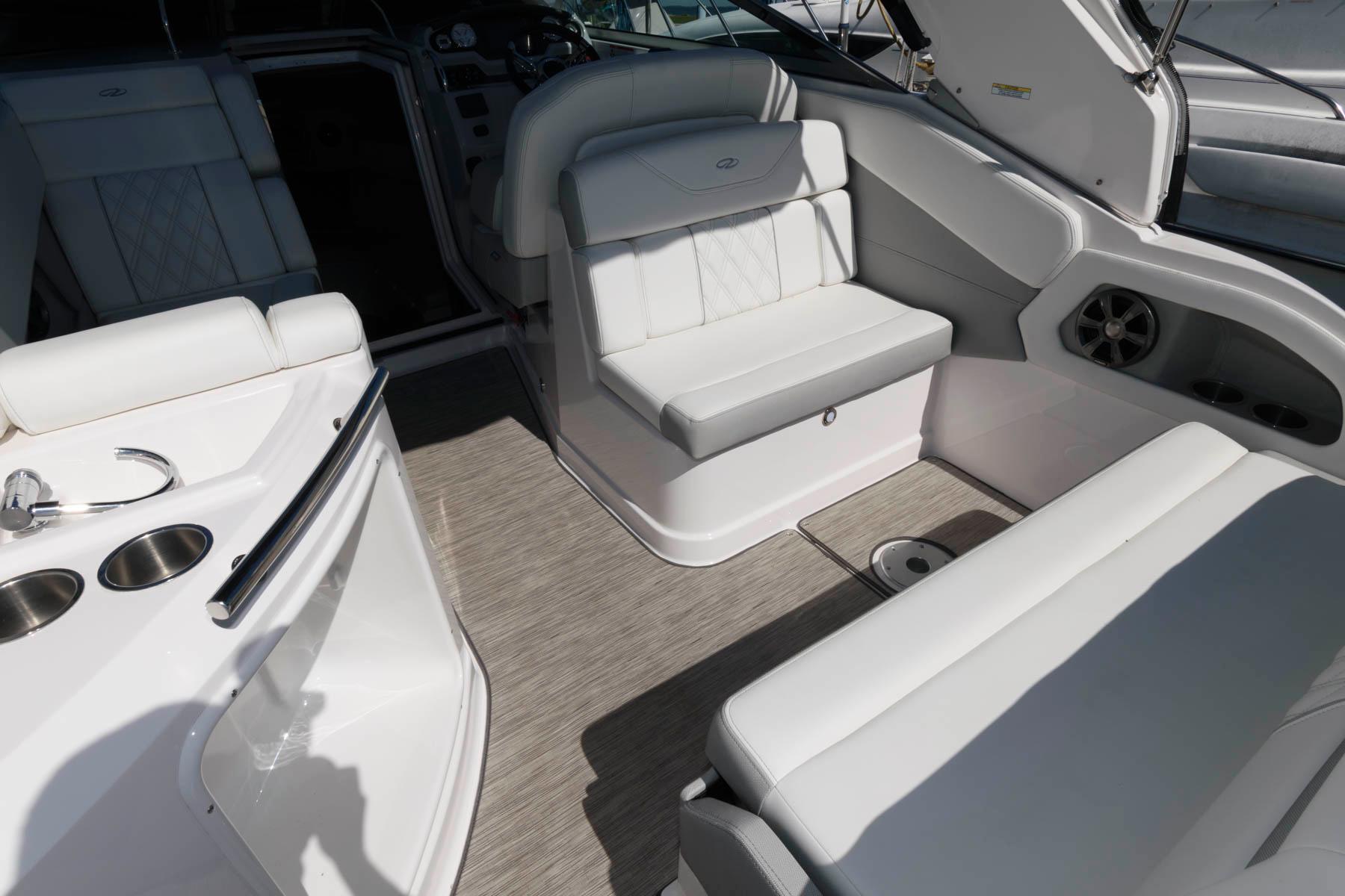 M 6554 JB Knot 10 Yacht Sales
