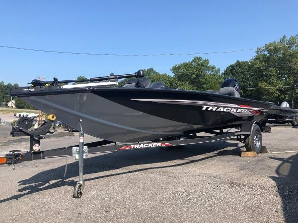 2021 Tracker Boats boat for sale, model of the boat is Pro Team 175 TXW® & Image # 2 of 10