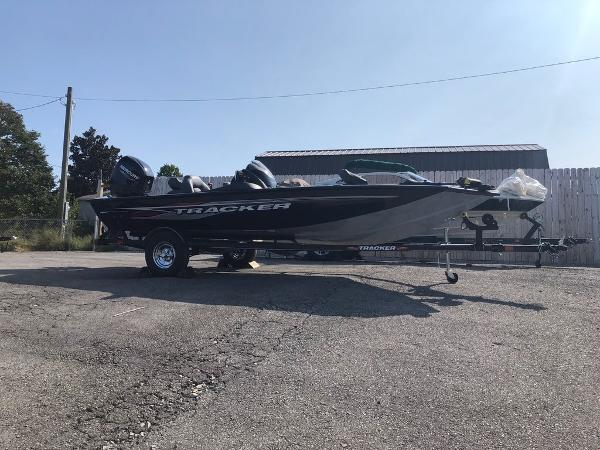 2021 Tracker Boats boat for sale, model of the boat is Pro Team 175 TXW® & Image # 3 of 10