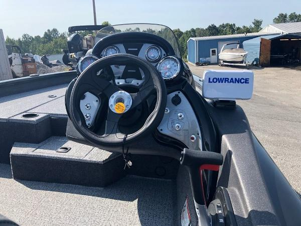 2021 Tracker Boats boat for sale, model of the boat is Pro Team 175 TXW® & Image # 5 of 10