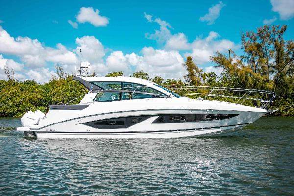 2021 BENETEAU Gran Turismo 36 Outboard