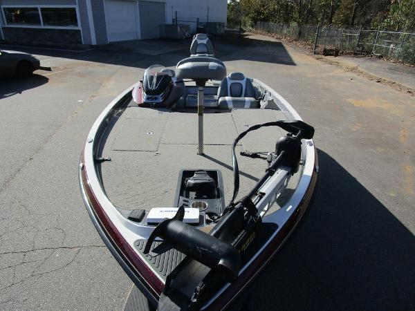 2014 Ranger Boats boat for sale, model of the boat is Z520C & Image # 13 of 57