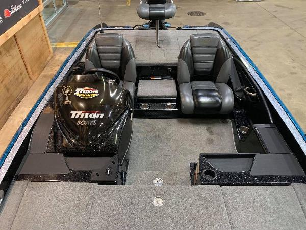 2012 Triton boat for sale, model of the boat is 20 XS Elite & Image # 2 of 11