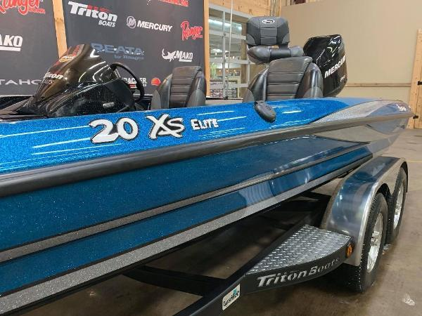 2012 Triton boat for sale, model of the boat is 20 XS Elite & Image # 3 of 11