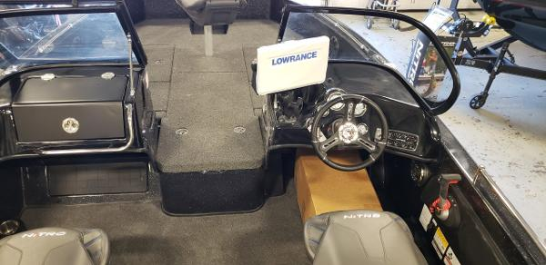 2021 Nitro boat for sale, model of the boat is ZV19 Sport & Image # 6 of 7