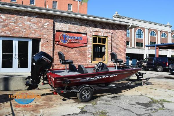2021 Tracker Boats boat for sale, model of the boat is Pro Team 175 TXW® Tournament Ed. & Image # 7 of 41