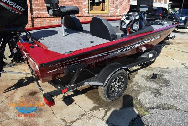 2021 Tracker Boats boat for sale, model of the boat is Pro Team 175 TXW® Tournament Ed. & Image # 32 of 41