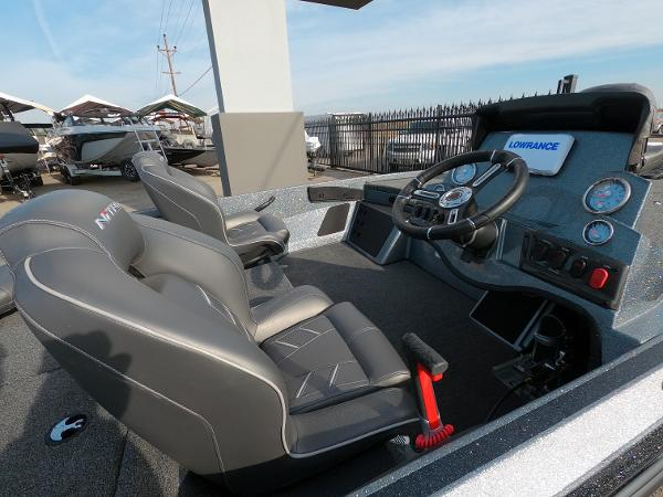 2021 Nitro boat for sale, model of the boat is Z18 & Image # 8 of 19