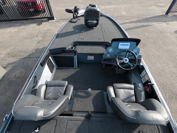 2021 Nitro boat for sale, model of the boat is Z18 & Image # 10 of 19