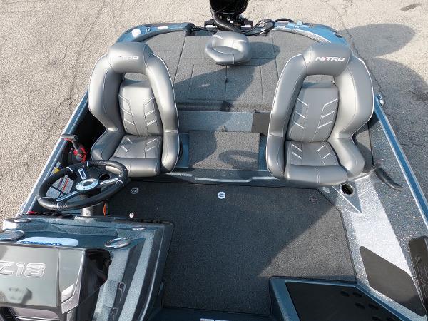 2021 Nitro boat for sale, model of the boat is Z18 & Image # 14 of 19