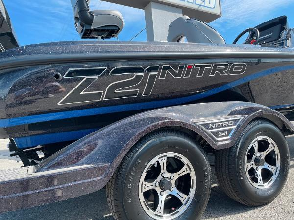 2021 Nitro boat for sale, model of the boat is Z21 Pro & Image # 4 of 20