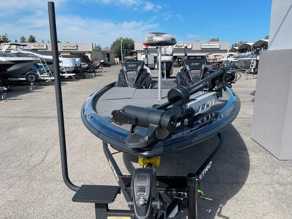2021 Nitro boat for sale, model of the boat is Z21 Pro & Image # 6 of 20