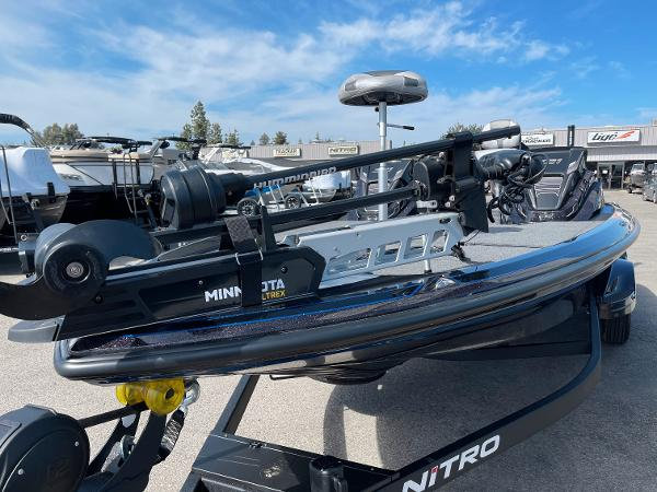 2021 Nitro boat for sale, model of the boat is Z21 Pro & Image # 7 of 20