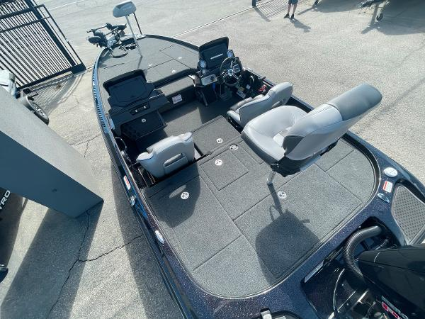 2021 Nitro boat for sale, model of the boat is Z21 Pro & Image # 11 of 20