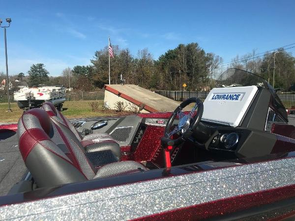 2020 Ranger Boats boat for sale, model of the boat is Z520L & Image # 8 of 18