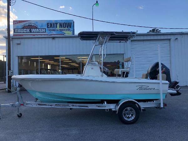 2021 Pioneer boat for sale, model of the boat is 180 Islander & Image # 7 of 25