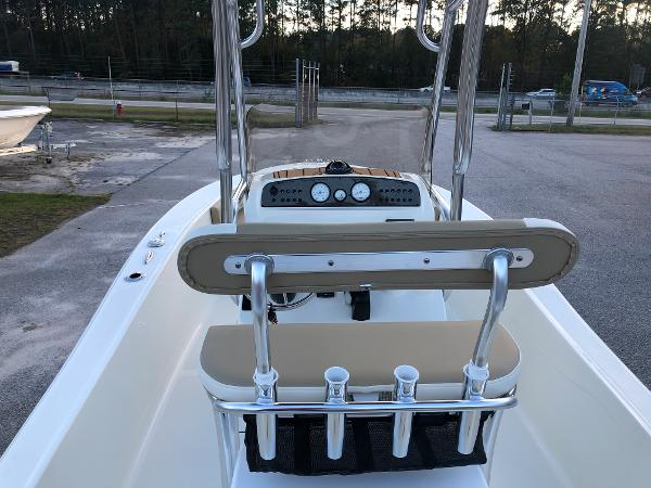 2021 Pioneer boat for sale, model of the boat is 180 Islander & Image # 9 of 25
