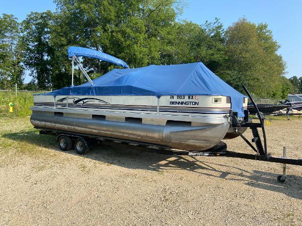 2001 Bennington boat for sale, model of the boat is 227FS & Image # 6 of 17