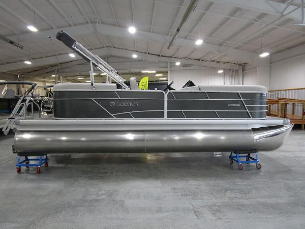 2021 Godfrey Pontoon boat for sale, model of the boat is SW 2286 SBX Sport Tube 27 in. & Image # 19 of 38