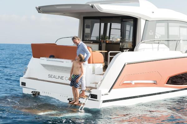 Sealine C430