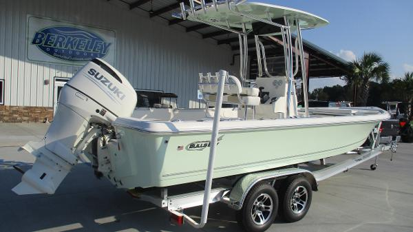 2021 Bulls Bay boat for sale, model of the boat is 2400 & Image # 5 of 54