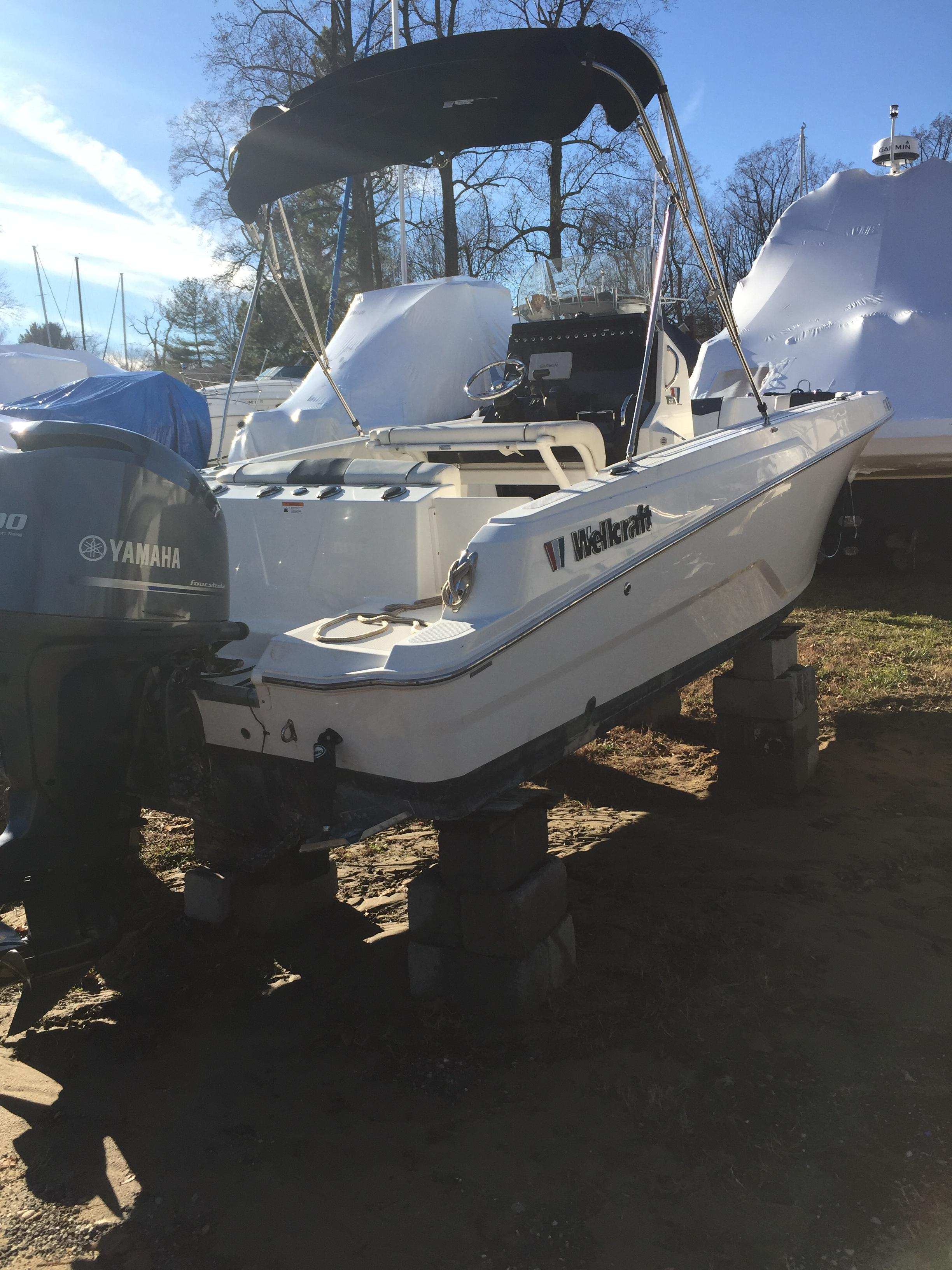 2016 WELLCRAFT 222 Fisherman
