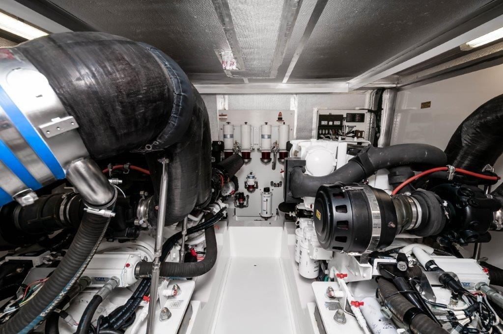 2016 70 Maritimo Engine Room