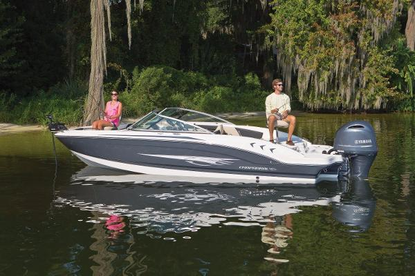 2021 CHAPARRAL H2O 21  Ski & Fish Outboard
