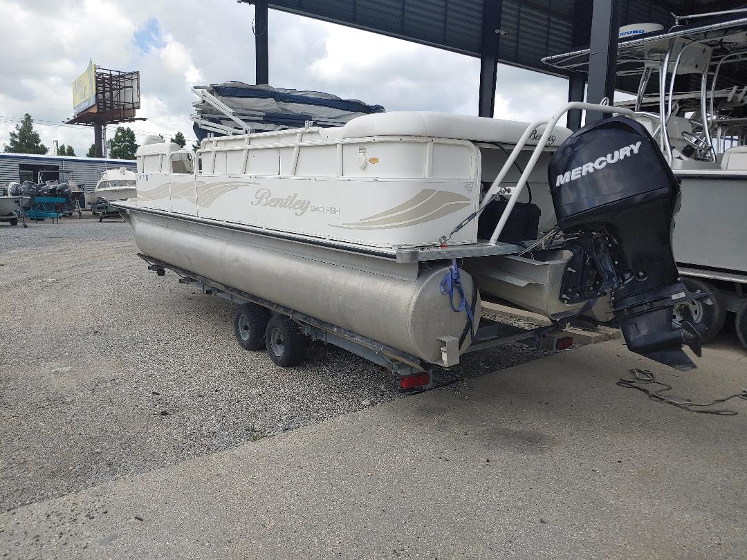 2008 Bentley boat for sale, model of the boat is 240 Fish & Image # 2 of 3