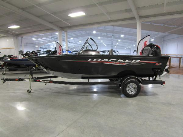 2021 Tracker Boats boat for sale, model of the boat is Pro Guide™ V-175 Combo & Image # 1 of 43