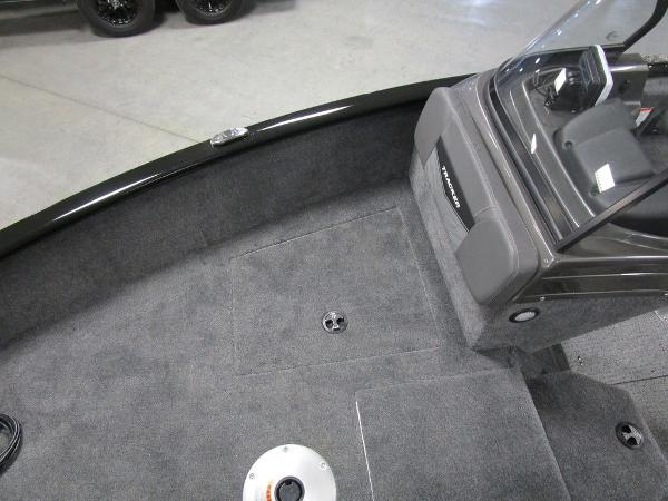 2021 Tracker Boats boat for sale, model of the boat is Pro Guide™ V-175 Combo & Image # 8 of 43