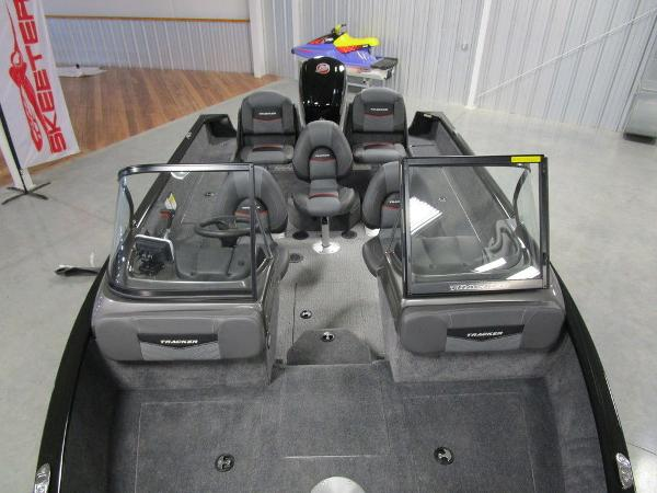 2021 Tracker Boats boat for sale, model of the boat is Pro Guide™ V-175 Combo & Image # 10 of 43