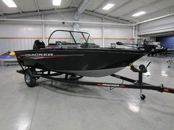 2021 Tracker Boats boat for sale, model of the boat is Pro Guide™ V-175 Combo & Image # 14 of 43
