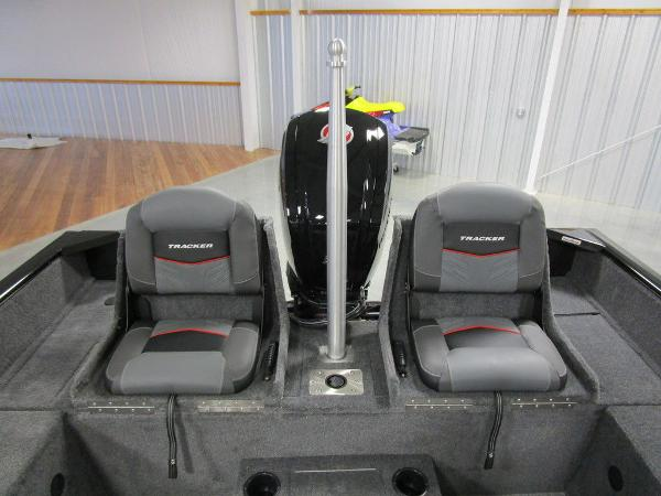 2021 Tracker Boats boat for sale, model of the boat is Pro Guide™ V-175 Combo & Image # 20 of 43