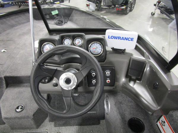 2021 Tracker Boats boat for sale, model of the boat is Pro Guide™ V-175 Combo & Image # 22 of 43