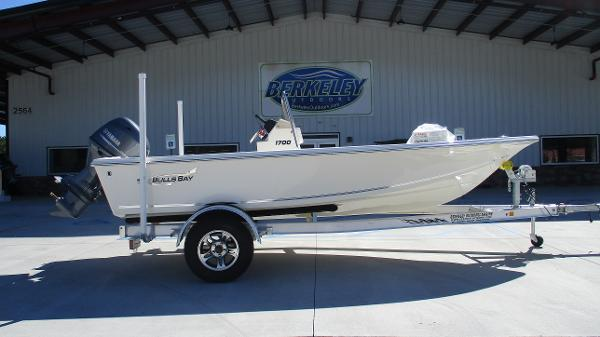2021 Bulls Bay boat for sale, model of the boat is 1700 & Image # 3 of 31